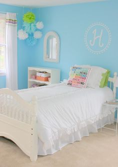 Girl's Blue Bedroom Makeover
