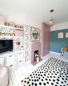 Teen Room Decor, Room Ideas Bedroom, Bedroom Inspo, Bedroom Decor, Child's Room, Pink Bedroom For Girls, Little Girl Rooms, Room Girls, Zeina
