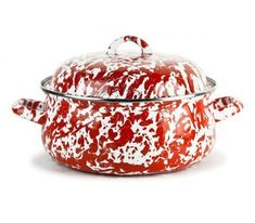 Sun, surf, sand. You know you will have company at the beach. And when you do, you can whip out your new recipe for garlic parmesan scalloped potatoes. There is no better way to serve it up, than in these stylish dutch ovens. They come in solids and swirls on the outside and a white interior. Your choice! #cottageandbungalow #enamelware #dutchoven Beach Kitchens, Cabin Kitchens, Big Kitchen, Kitchen Items, Dutch Oven Walmart, Dutch Ovens For Sale, Best Dutch Oven, Enamel Dutch Oven, Cottages And Bungalows