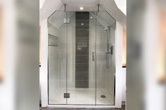 Symmetrical spaces are ideal for bespoke cut shower enclosures Wet Room Screens, Shower Screens, Glass Shower Doors, Frameless Shower Enclosures, Glass Suppliers, Laminated Glass, Custom Glass, Wet Rooms, Glass Shelves