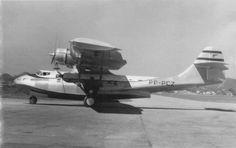 Panair do Brasil. Consolidated PBY 5A Catalina, registro PP-PCZ (cn 282). Em algum lugar do passado. Registro fotográfico garimpado na rede, informações adicionais serão bem vindas. Breve histórico da aeronave: Construído em meados de 1943, pela Boeing Canadá, Vancouver, sob supervisão da Canadian Vickers Co., foi equipado com dois motores Pratt & Whitney Hornet Engines. Os registros desta aeronave iniciam-se em 25 de outubro de 1943, como pertencente ao Eastern Air Command, matricula 5 ...