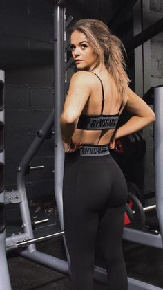 healthy food women fitness addict abs strong weight loss exercise cardio nutrition get fit fitness motivation body shape tutorials tips diy Fitness Workouts, Exercise Cardio, Fitness Motivation, Fit Women, Sexy Women, Black Women, Elegantes Outfit, Moda Casual, Gym Wear
