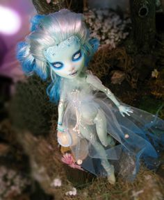 Art,Dolls and Coffee: Pixies,ghosts and Shoes DOll / Monster High Customizing  repaint tutorial