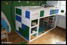 The Kura decorated with giant lego pieces - great design for a boys room. Photo: lilldonten on styleroom.se