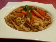 Paprika En La Cocina: Wok de espaguetis con verduras, calamar, sepia y salsa Teriyaki