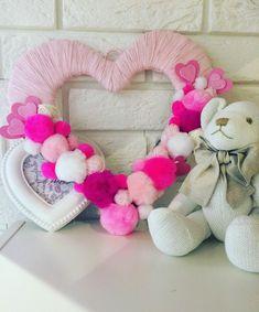 Burlap Wreath, Wreaths, Pillows, Handmade, Home Decor, Homemade Home Decor, Hand Made, Door Wreaths, Cushion