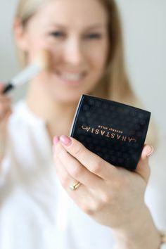 Weekly Favourites - The Perfect Bronzer Anastacia Beverly Hills, Little Bit, Bronzer, Anastasia, Beauty Makeup, Powder, Make Up, Blog, Inspiration