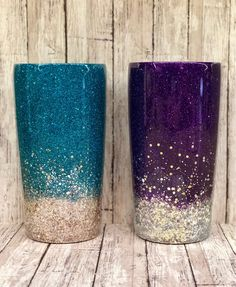 Two Toned Glittered Ombre Stainless Steel Tumbler- Customize -Glitter Tumbler - Personalize - with Straw - Glittered - two tone custom Diy Tumblers, Glitter Tumblers, Glitter Cups, Personalized Tumblers, Green Glitter, Custom Tumblers, Glitter Vinyl, Girls Tumbler, Tumbler Cups