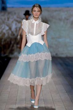 Couture Fashion, Runway Fashion, High Fashion, Fashion Show, Fashion Looks, Fashion Outfits, Italian Outfits, Estilo Fashion, Fashion Seasons