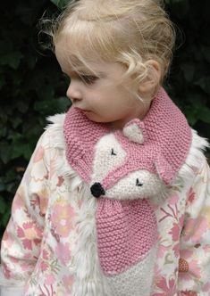 Kids winter scarf Fantastic Fox hand knit - fun, soft, warm, cute and cuddly childrens scarf. Also for adults Hand knit kids scarf Fantastic Fox fun soft by StitchEScrochet. Knitting Patterns Free, Baby Knitting, Crochet Baby, Fox Scarf, Hand Knit Scarf, Fantastic Fox, Pull Bebe, Garter Stitch, Girl With Hat
