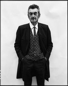 The British Teddy Boy subculture is typified by men wearing clothes inspired by the styles of the Edwardian period Teddy Boys, Teddy Girl, Mod Fashion, Vintage Fashion, Teddy Boy Style, Youth Subcultures, Le Male, Retro Pop, Pink Clouds