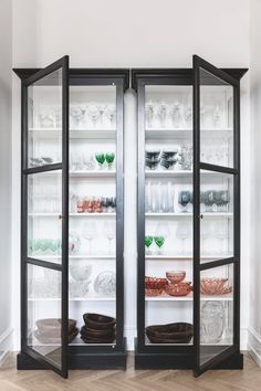 Two class cases displaying the owner's glass collection. Design Your Dream House, Dream Home Design, Home Design Decor, House Design, Home Decor, Interior Design, Glass China Cabinet, House Flippers, Ethnic Decor