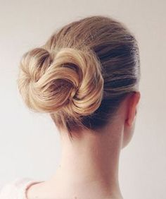 These days, it seems that the braid has been getting elaborate, Game Of Thrones-worthy makeovers around the clock. But, what about our old friend, the chignon? Sure, the top knot had a moment, but other than that, the simple bun doesn't seem to get...