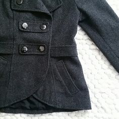 """Wool Blend Peacoat Beautiful coat with functioning pockets. Size says 6, best for size 4. I wore this a few winters ago and never wore it again as I am now a true 6 and it doesn't fit the way I'd like. This is a purchase you will not regret! Got so many compliments on it! If H&M still made this I'd definitely buy again. Great condition, no missing buttons. Slightly lighter in person. Fully lined. 60% wool 40% viscose  28"""" back 27"""" front 25"""" sleeve 15"""" waist 16.25"""" pit to pit H&M Jackets…"""