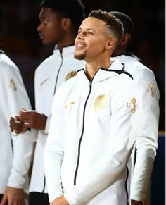 Stephen Curry of the Golden State Warriors stands during their 2017 NBA Championship ring ceremony prior to their NBA game against the Houston. Golden State Warriors, Curry Memes, Stephen Curry Wallpaper, Stephen Curry Family, Nba Championship Rings, Warriors Standing, Stephen Curry Basketball, Stephen Curry Pictures, Wardell Stephen Curry