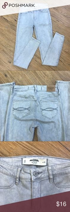 Abercrombie & Fitch grey jeggings Light grey stretchy jeggings Abercrombie & Fitch Jeans Skinny
