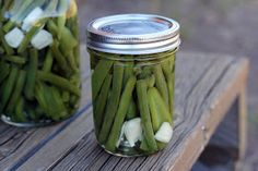 THX @Hannah Mestel Mestel Cordes for DIY Green beans: Spicy Pickled Green Beans & Jalapenos #Recipes