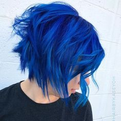 36 Latest Short Hair Trends for Winter 2017 - 2018 Edgy Short Haircuts Hair Color Blue, Cool Hair Color, Purple Hair, Hair Colors, Bright Blue Hair, Blonde Color, Short Hair Trends, Short Hair Styles, Pelo Color Azul