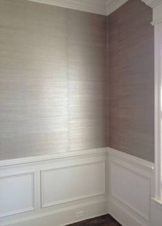 New Textured Wallpaper Bathroom Wainscoting 56 Ideas - Modern Wallpaper Accent Wall, Luxury Powder Room, Bathroom Wallpaper, Accent Walls In Living Room, Silver Wallpaper Living Room, Wainscoting Bathroom, Grasscloth Wallpaper, Beautiful Living Rooms, Textured Wallpaper