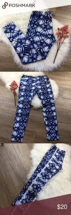 Butter soft blue diamond print leggings NWT Two sizes available 1x & 3x with additional measurements included. Buttery soft leggings very similar to LLR. True to size m, very comfortable. Save 20% when bundled. Ultra Flirt Pants Leggings