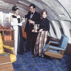 Upper deck lounge action aboard UAL Boeing 747, 1972.