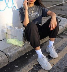 How To Wear Joggers Street Style Outfit 15 Ideas Source by ruby__m. - How To Wear Joggers Street Style Outfit 15 Ideas Source by ruby__mw outfits street style Source by AryannaHegmannFashion - Street Style Outfits, Mode Outfits, Casual Outfits, Fashion Outfits, Grunge Street Style, Soft Grunge Style, Summer Outfits, Girl Outfits, Fashion Hacks