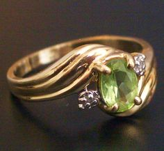 10K Gold Ring Peridot and Diamonds Size 4 1/4