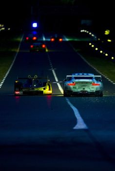 myheartpumpspetrol:  Porsche Vs Porsche | Source
