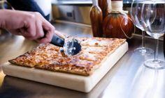 Εύκολη ζύμη για πίτσα-εξπρές! Pita Bread, Greek Recipes, Butcher Block Cutting Board, Recipies, Cooking, Health, Food, Pizza, Corner