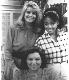 Lisa Whelchel, Mindy Cohn, and Kim Fields Facts Of Life Cast, Nancy Mckeon, Vintage Tv, Vintage Beauty, Lisa Whelchel, Young Movie, Life Tv, Family Tv, Fact Families