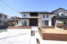 外観集 ~和モダン・本格和風の家~ Japanese Homes, Interior Ideas, Fence, House Design, Mansions, House Styles, Garden, Outdoor Decor, Home Decor