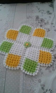 Lif modeli Crochet Bedspread, Crochet Blanket Patterns, Baby Knitting Patterns, Baby Blanket Crochet, Crochet Doilies, Crochet Stitches, Tapete Doily, Crochet Toilet Roll Cover, Fillet Crochet
