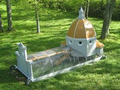Now this is a Chicken Tractor! #BackyardChickens  www.FreeHenHousePlans.net http://www.eFowl.com/?Click=32918
