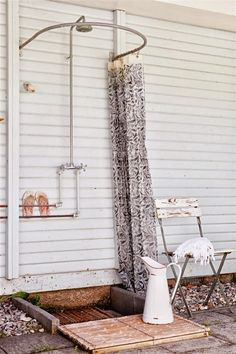 Superb Beach House Shower + Flooring W/ Rocks