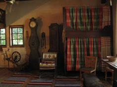 Traditional Finnish farmhouse interior, with Finnish textiles. Nordic Interior, Farmhouse Interior, Scandinavian Cottage, Scandinavian Interiors, Museum Studies, Cottage Interiors, Old Houses, Vintage Rugs, Art Museum
