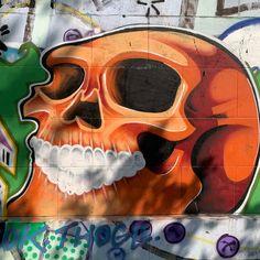 Wien, jetzt oder nie! 9/9 . Grafitti-Momente von Wiener Donaukanal. Kostenloses eBook über die Donaumetropole: www.yumpu.com/s/bwFfCdUnQc2g4SRB   #vienna #austria #welovevienna #viennanow #österreich #streetart #art #artist #urban #streetphotography #graffitiart #travel #photooftheday Graffiti Art, 360 Grad Foto, Street Photo, Pictures, Tourism