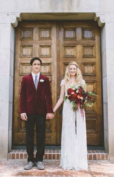 Deep red tones will create the perfect color scheme for fall weddings.