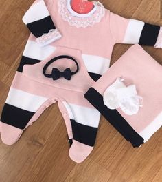 Gender Neutral Baby Clothes, Trendy Baby Clothes, Kids Outfits Girls, Girl Outfits, Fashion Outfits, Princess Outfits, Cute Baby Girl, Baby Knitting, Baby Dress
