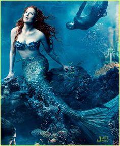 Juliane Moore as Mermaid. Gepinnt von Gabi Wieczorek:special mermaid scenarios