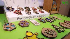 Llaveros personalizados hechos con madera, fieltro y acrílico recuperado. #EcoDesign Diseño Mexicano