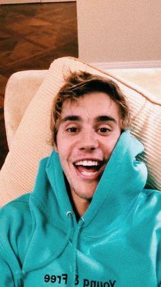 Justin Bieber and One Direction Imagines Justin Baby, Justin Hailey, Justin Bieber Pictures, I Love Justin Bieber, Justin Bieber Twitter, Youtubers, Justin Bieber Wallpaper, Celebrity Crush, Celebrity Moms