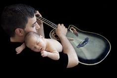 dad,family,newborn,guitar,moriz