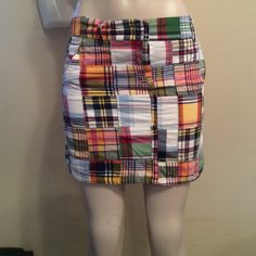 J Crew patchwork miniskirt It's never too early to start getting ready for summer, and this patchwork miniskirt by J crew will be the first piece you want to pull out when the weather turns warm!  just long enough to be extremely sexy without being low class, it'll go perfectly with almost any summer top you want to pair with it!  In excellent condition. Size 2, fantastic fit. Please inspect each picture carefully. They represent exactly the product you will  receive and the condition of the…