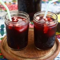 Peruvian Chicha Morada Recipe with 8 ingredients Peruvian Drinks, Peruvian Desserts, Peruvian Dishes, Peruvian Cuisine, Peruvian Recipes, Chicha Morada Recipe, Smoothie, Food Stations, Latin Food