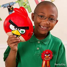 Help the birthday boy feel like Angry Bird royalty at his Angry Birds party with fun dress-up accessories!