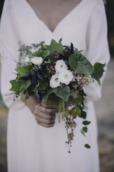 Foraged Bouquet: White Spray Roses. Rosehips. Nine Bark. Ivy. Hydrangea.   www.forestandfieldcreative.com www.kiraandmatt.com