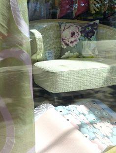 #Schaufenster #September Mit #Sessel Von #Zimmerundrohde #Polstersessel  #wirpolsternfürsie #Polsterstoff