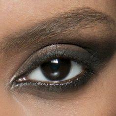 4 Life-Changing Eyeshadow Hacks
