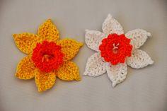 crocheted daffodils ~ free pattern