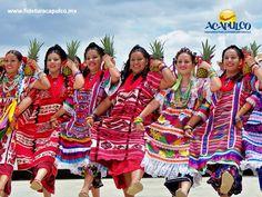 #infoacapulco Oaxaca y la Guelaguetza en Acapulco. INFO ACAPULCO. La semana pasada se reinauguró la muestra cultural Oaxaca y la Guelaguetza en Acapulco, la cual se encuentra en Playa Manzanillo y se realiza con el fin de preservar las distintas expresiones culturales de nuestro país. Esta exposición estará abierta hasta el 28 de febrero. Te invitamos a visitar la página oficial de Fidetur Acapulco, para obtener más información